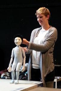 Marionnette portée et articulée - Manipulation